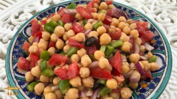 Salade de pois chiches aux saveurs orientales